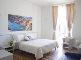 Rooms Stazione Centrale, accessible hotel in Naples