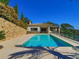 Magnificent villa with swimming pool, casa o xalet a Girona