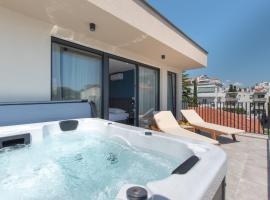 Seven Seas Residence, B&B in Split