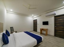 SilverKey Executive Stays 40736 Divine Babylon 2, отель в городе Kondapur