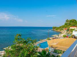 Agoulos Beach Hotel, apartment in Argassi