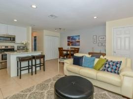 Lovely Cottage near the Beach and Downtown Sarasota, villa in Sarasota
