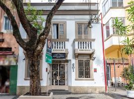 Hotel Monte Castelo, hotel poblíž významného místa Escadaria Selarón, Rio de Janeiro