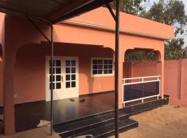 MINI VILLA ROSE, villa in Lomé