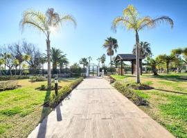 Infocom Playa Rocio, hotel in Marbella