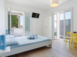 Rivabella Deluxe Apartments, hotel a Rivabella