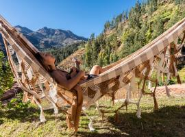 Wolf Totem Boho-Chic Backpacker, budget hotel in Pisac