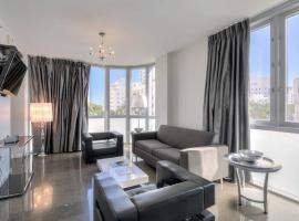 Luxury Boutique Suite Collins Ave, serviced apartment in Miami Beach