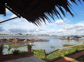 mekong riverside homestay, family hotel in Vĩnh Long