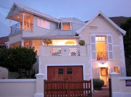 Cheviot Place Guest House, bed & breakfast a Città del Capo
