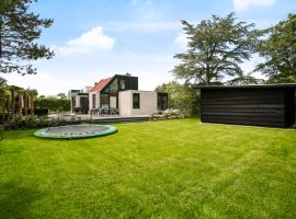 Holiday home Vlier 10 Klepperstee - Ouddorp, near the beach and dunes, childfriendly - not for companies, villa in Ouddorp