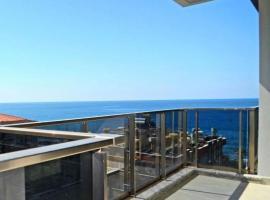 Konak Seaview Lux Residence, пляжный отель в Махмутларе