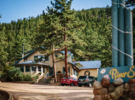Romantic RiverSong Inn, vacation rental in Estes Park