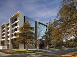 East Hotel and Apartments, hotel near National Convention Center Canberra, Canberra