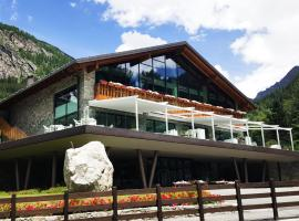 Grand Hotel Courmayeur Mont Blanc, hotel near Skyway Monte Bianco, Courmayeur