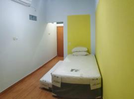 Penginapan Murah Jakarta (Free Wifi) Meruri Hostel, hotel in Jakarta