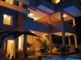 Villa Domjanovic Apartments, hotel in Solin
