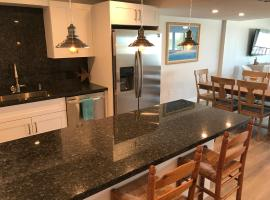 LICENSED MGR - BRAND NEW LUXURIOUS OCEANFRONT CONDO! STUNNING VIEWS! BEACH RESORT! 2 KING Beds!, apartment in Key Largo