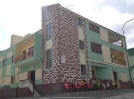 Residencial Vitoria, hotel in Ponta do Sol