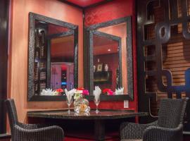 Mariaggi's Theme Suite Hotel & Spa, hotel in Winnipeg