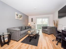 Business Select, Mins From Airport, Fast WiFi, Insurance Friendly, Spacious 1BR, hotel in Arlington Heights
