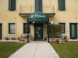 IL CASALE DI MIRIAM, hotel cerca de Castillo Scaligero di Villafranca, Povegliano Veronese