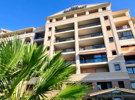 Residhotel Villa Maupassant, family hotel in Cannes