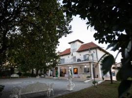 Villa Strampelli, hotel near Cinecittà World, Pomezia