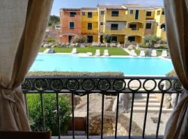Appartamento nel residence Borgo dei Mirti, hotel with jacuzzis in Santa Teresa Gallura