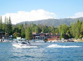 The Pines Resort & Conference Center, resort in Bass Lake
