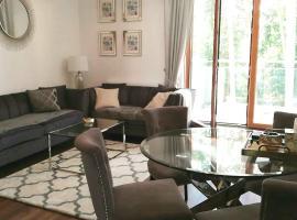 SOSNOWA Luxury Apartment, apartment in Ełk