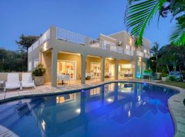 Caza Beach Guesthouse, hotel near La Lucia Mall, Durban