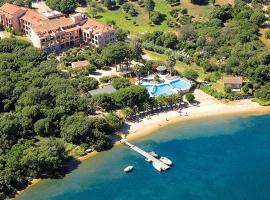 Hotel Club U Libecciu, hotel near Figari-Sud Corse Airport - FSC,