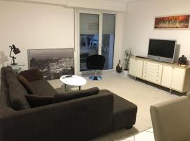 2-Zimmer-Moeblierte-Wohnung-mit-Terrasse, budget hotel in Wuppertal
