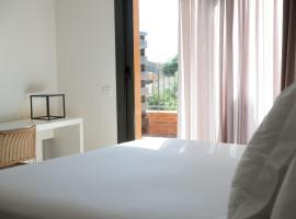 Mas Vivent, hotel a prop de Camp de golf Peralada, a Vilamaniscle
