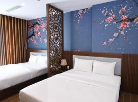 Smeraldo Hotel & Apartment, hotel near Thuan Phuoc Field, Da Nang