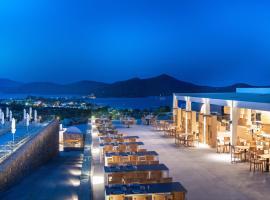 Elounda Breeze Resort, hotel in Elounda