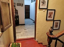 Crown Hotel, отель в Занзибаре