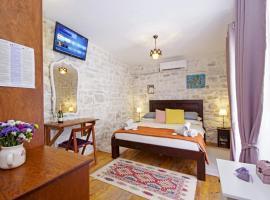 TowerHouseSasso, budget hotel in Trogir