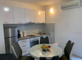dena apartmani, hotel in Split