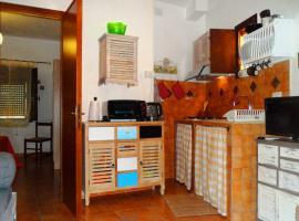 La casa di Maya e la mansardina di Alice, hotel in Sassari