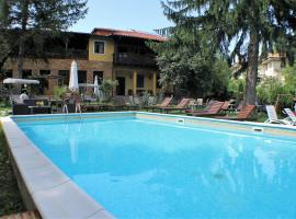 Николова къща, хотел в Елена