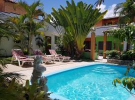 Pousada Sempre Graciosa, guest house in Praia do Frances