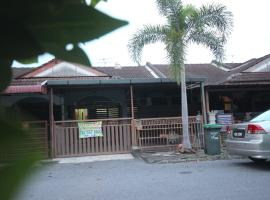 Tropika Homestay Arau, homestay in Arau