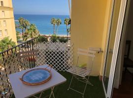 Apartamento Malagueta 1 Linea playa centro Malaga, hotell nära Playa de La Malagueta-stranden, Málaga