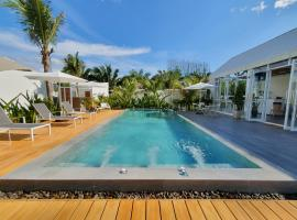 MEET Boutique Resort, hotel with pools in Suratthani