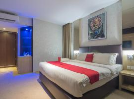 RedDoorz Premium near Grand Batam Mall, hotel in Nagoya