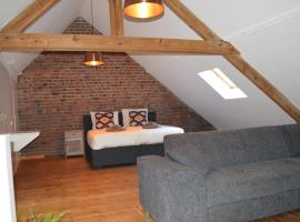 Birdsonghouse, self-catering accommodation in Ieper