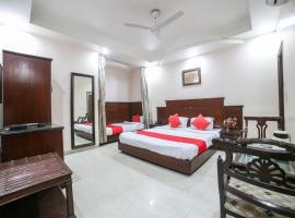OYO 29546 Paharganj, hotel near Jama Masjid, New Delhi