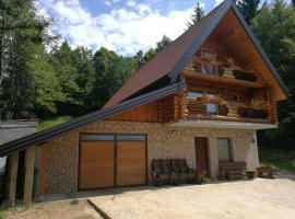 Bear lodge, holiday home in Korenica
